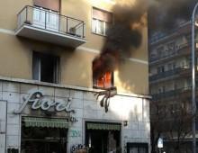 Via Appia Nuova, donna muore intossicata per incendio