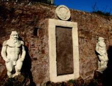 Visita: il mistero della Porta alchemica a piazza Vittorio