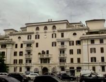 Piazza dell' Alberone 15, la storia dell' edificio a corte aperta