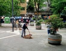 I bambini puliscono Largo Pannonia