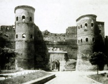 Visita guidata: Porta Asinaria e mura aureliane