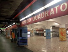 Metro Numidio Quadrato: giovane finisce sui binari