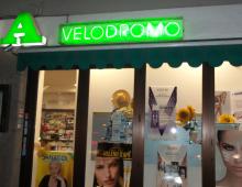 Via Appia Nuova, rapina in farmacia