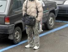 Piazza San Giovanni: parcheggiatore abusivo aggredisce automobilista