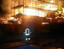 [Video] – Incendio in via Anagnina