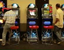 via Aosta, agli arresti domiciliari scappa per giocare alle slot machine