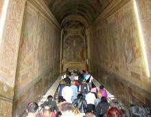 """San Giovanni: ruba le monete offerte alla """"Scala Santa"""""""