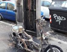 Appio Latino: vandali in azione nella notte, roghi in vari punti del quartiere