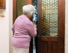 Quarto Miglio: raggirano anziana e si fanno consegnare l'oro. Arrestati