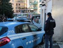 Via Tuscolana: esce dalla banca e lo rapinano, arrestati