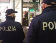 """Via Taranto: serio incendio al """"Papero Giallo"""""""