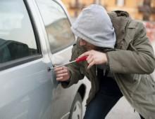Via Muzio Scevola: arrestato professionista di furti d'auto