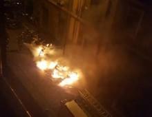 Via Antonio degli Effetti: bruciata nella notte un' intera fila di scooter