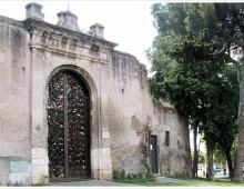 """La scomparsa di Kounellis, suo """"il cancello"""" di Santa Croce"""