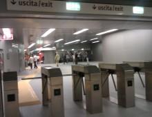 Sulla metro doppi tornelli anti portoghesi