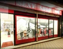 Via Nocera Umbra: rapina un sexy shop con una pistola giocattolo e ruba un fallo in ceramica