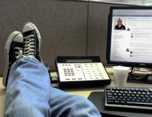 Commissariato Appio infamato su facebook: giovane denunciato