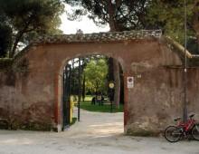 Parco degli Scipioni: finalmente i cancelli di nuovo chiusi la notte
