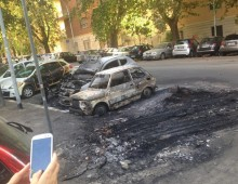 Via Illiria: ancora incubo piromani, incendiate auto e scooter