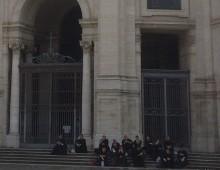 """Santa Croce, """"l'assalto"""" dei preti"""