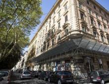 Via Carlo Felice: Palazzo Bankitalia occupato, crepe, segnalazioni e pericoli