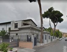 Circonvallazione Appia: cerca di sfuggire all'arresto nascondendosi nella caserma della polizia