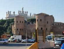 """Raggi: """"riconsegnate ai romani le aree su piazzale Appio"""""""