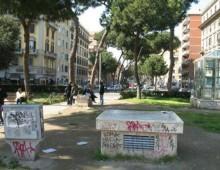 Piazza Re di Roma: picchiati perchè staccarono manifesto Lotta studentesca