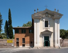Via Appia Antica, si staccano stucchi della Chiesa Domine Quo Vadis