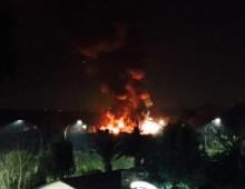 Via dell' Almone: incendio in un autodemolitore