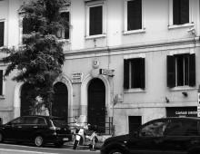 Via Britannia: attentato alla caserma dei Carabinieri