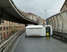 Traffico in tilt a San Giovanni causa tangenziale chiusa