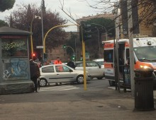 Via La Spezia: si sente male in auto