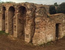 Passeggiata per le strutture idrauliche della Caffarella