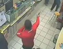 Via Eurialo: rapina a mano armata alla farmacia Zelli