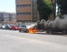 Via dei Laterani: auto in fiamme davanti l' ospedale