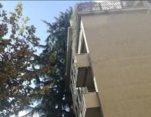 Via Tracia:  sgombrata palazzina colpita da un albero