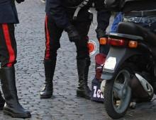 Via Casalmonferrato, rubano uno zaino con 2100 euro