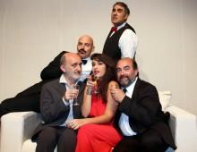 """Al teatro Roma si ride con """"Uomini stregati dalla luna"""""""