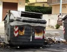 Incendi cassonetti: anche a fine anno ha primeggiato l'Appio-Tuscolano