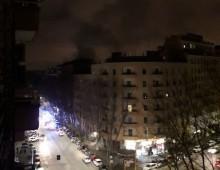 Via Satrico: incendio nel negozio di Casa & Co.