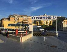 Via Nocera Umbra: si apposta sotto la Asl, sequestra anziana e le ruba auto e soldi