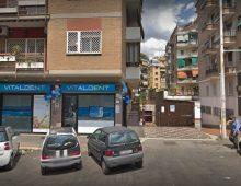 Via Tuscolana: uomo rapinato con una pistola puntata alla tempia