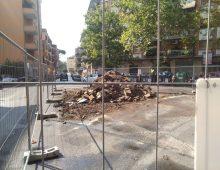 Piazza Roselle: distrutta l'aiuola centrale, a che pro?