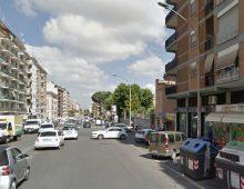 Piazza Santa Maria Ausiliatrice: scortata dalla polizia, donna incinta arriva in ospedale a pochi minuti dal parto.