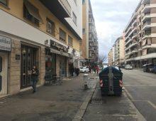 Via Menghini, precipita dal quinto piano, morto un uomo