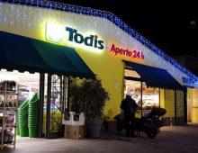 Ladre al Todis di via Tuscolana aggrediscono gli agenti: in manette due donne
