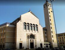 Piazza Asti, ubriaco entra in chiesa e interrompe messa
