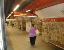 Tragedia a Ponte Lungo: una ragazza si getta sotto la metro