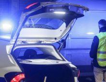 Uomo trovato morto in un furgone in piazza Zama